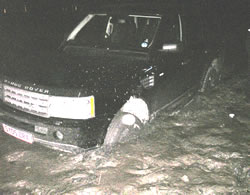 chiswick tide catches range rover