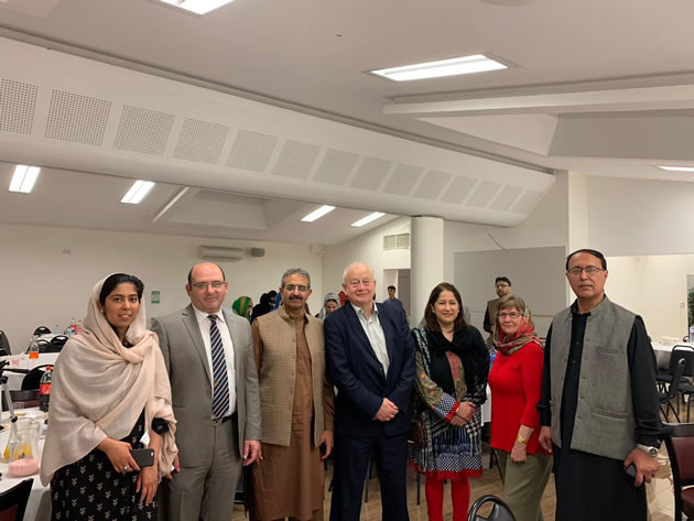 hounslow councillors visit local mosque